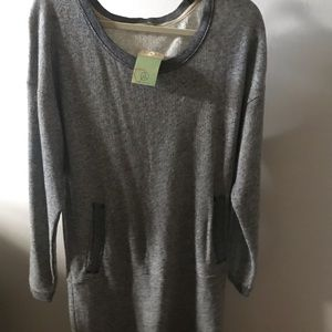 Alternative Earth sweater tunic with pockets M